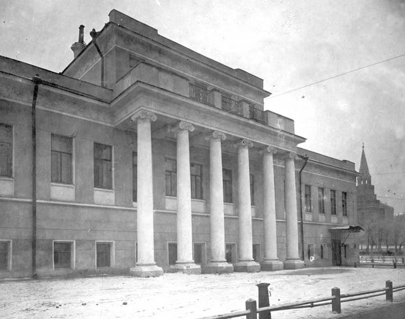 Дом Зотова в начале 1930-х. Архив ЦИГИ