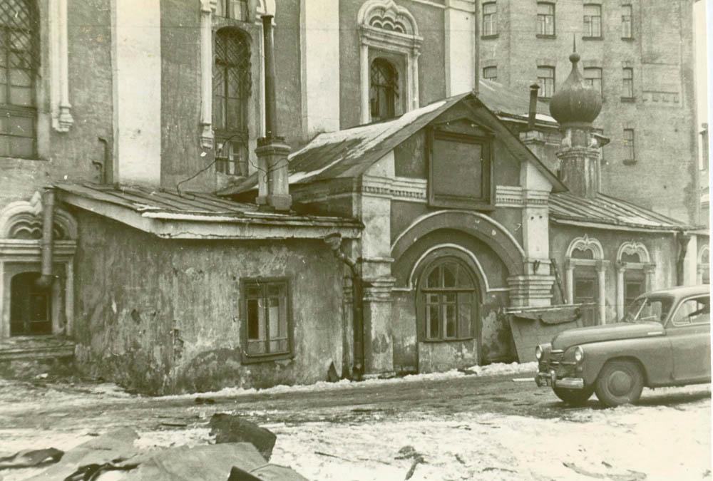 Придел и южное крыльцо, 1957