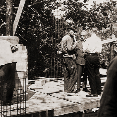 М.Гинзбург на стройке, 1929