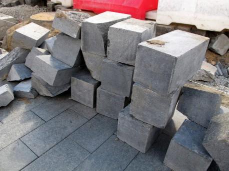 Новый гранит на Баррикадной, 8 сентября, 2012, фото Н.Самовер