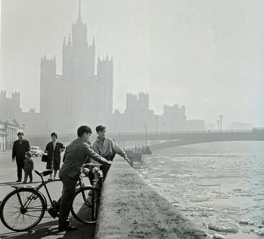 «На Котельнической набережной», В.Будан, 1963 год