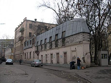 Хохловский 18, 2005 год