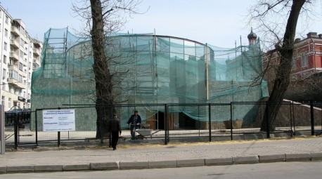 Навозный жук, фасад