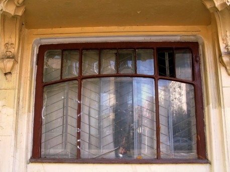 дом Быкова, дутые стекла