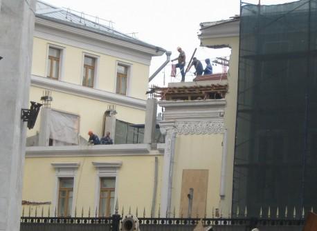Дом Болконского мстит за незаконную реставрацию