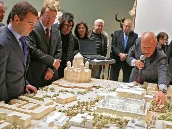 Норман Фостер представляет проект Музейного городка Д.Медведеву