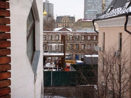 Стройка рядом с Домом Мельникова