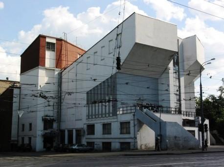 ДК Русакова до реставрации, оконные проемы на фасаде заложены