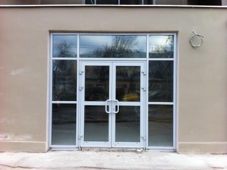 ДК Русакова после реставрации с пластиковыми дверьми