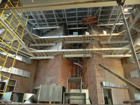 Зрительный зал ДК Русакова с новыми балконами