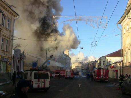 Пожар на Пятницкой, 26. Фото с сайта http://www.vesti.ru/doc.html?id=1229564