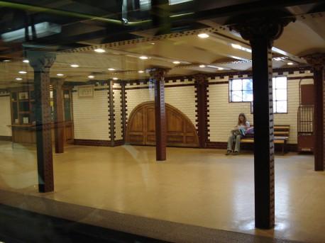 Станция метро «Опера» в Будапеште