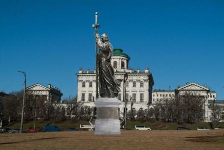 Статуя Владимира на Боровицкой (вариант врисовки)
