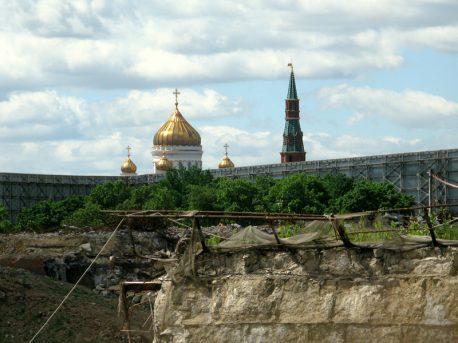 Пустырь на месте г-цы Россия