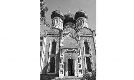 pokrovskiy-sobor-v-izmaylove-glavnyiy-fasad-foto-2010-h-godov