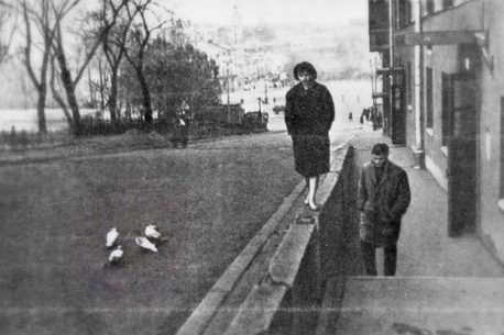 kadr-iz-filma-mne-dvadtsat-let-rezh-m-hutsiev-1964-g