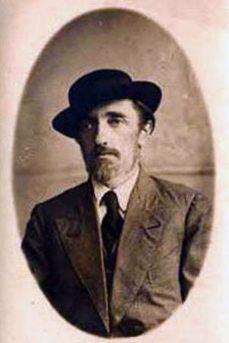 portret-v-shlyape