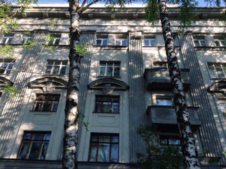 дом 56 по проезду Черепановых