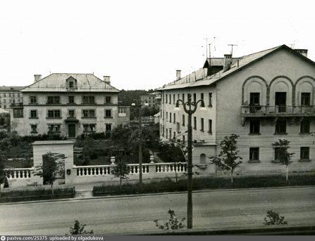 Первомайская ул. Городок нефтяников снос 1980-е