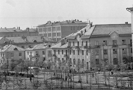 угол Изм. бульвара и 7-й Парковой снесены в 1980е