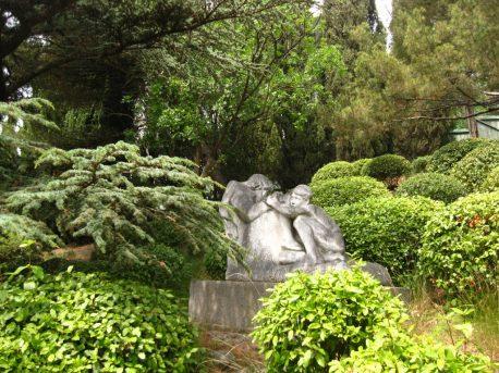 А.Н. Черницкий. Скульптура. Копия рельефа «Спящие мальчики».