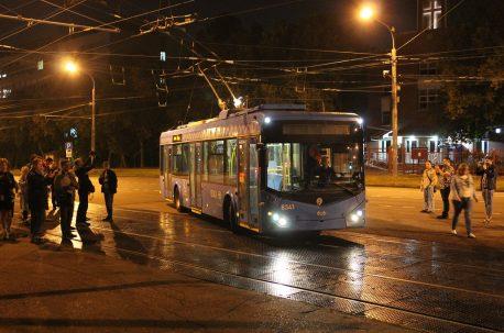 Последний московский троллейбус у 7-го парка, 25 августа 2020