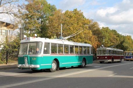 Музейный троллейбус ТБЭС-ВСХВ на параде, 2016 год