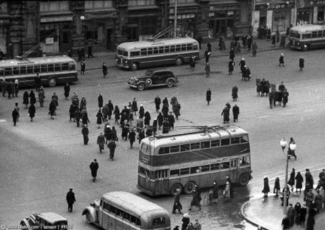 Троллейбусы на ул. Горького, 1947 год