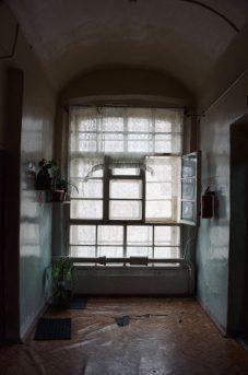 Оригинальные оконные рамы середины ХIХ века в доме №10 по 2й Прядильной улице. Фото автора